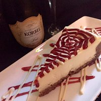 Traditional Cheesecake with Raspberry Sauce