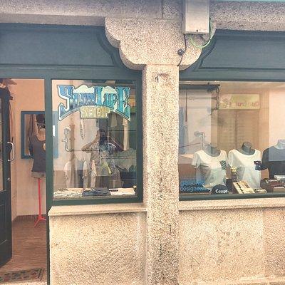 Vista de la tienda desde la Rua das Ameas
