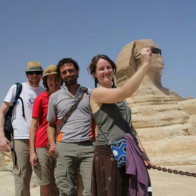 Private day tour to Pyramids and Sphinx