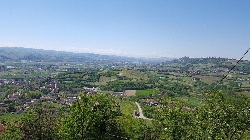 Magliano Alfieri -panorama