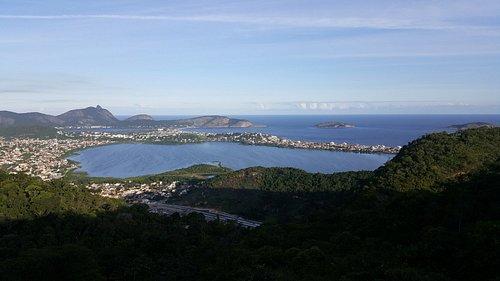 Lagoa de Piratininga, uma das vistas a partir da rampa de voo que se encontra no parque