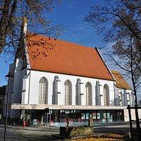 Klosterkirche & Sakralmuseum St. Annen hinter der Stadtinformation