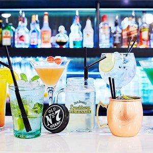 Venez découvrir nos cocktails, en passant du mojito au WooWoo, votre palais vous remerciera !
