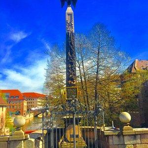 Obelisk Adler