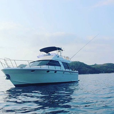 The Missy a 15 meter private Yacht for sport fishing and Tours of the Bays of Huatulco
