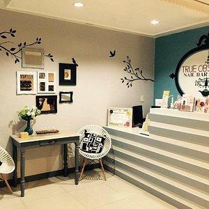 the reception area.. so cozy :)