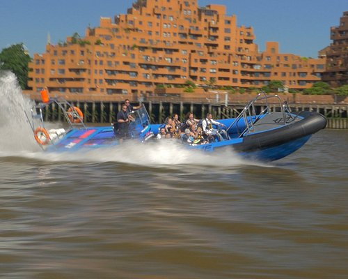 Speed up the Thames with Thamesjet