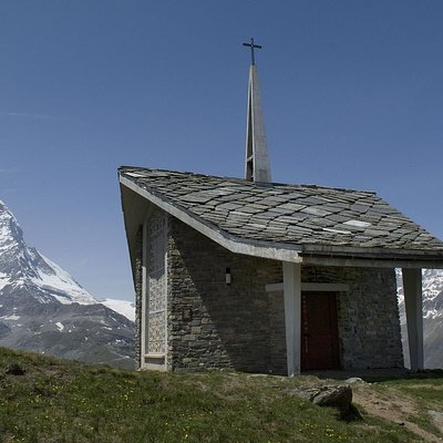 Chapel with the Matterhorn in the background - © Kurt Müller