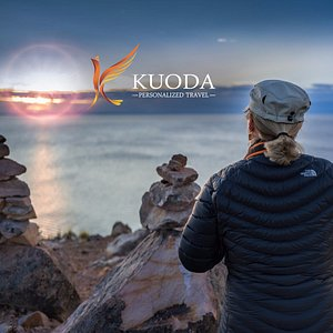 A Kuoda guest experiencing the magic of Lake Titicaca at sunset!