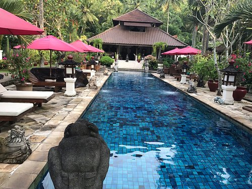 Pool within the spa grounds