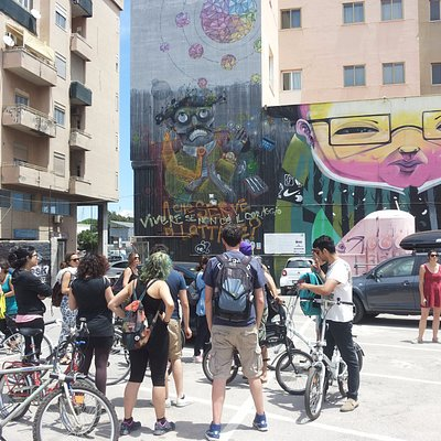 Street art bike tour