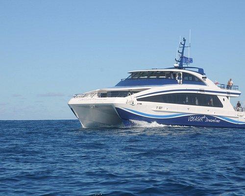 Voyager3 Dreamliner : hydrofoil catamaran