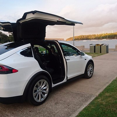 When you really want to make the best first impression-Tesla X limo
