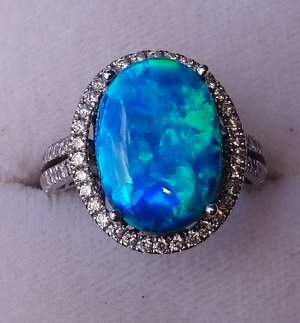 Australian Outback Opals 1-5 Eagle Heights Road, North Tamborine QLD Ph: 075545 0888