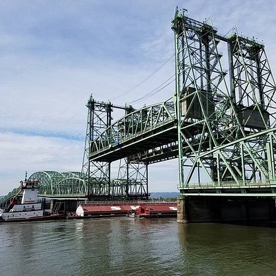 This 100 year old bridge still opens for Columbia River traffic. Interesting to watch, but a nig