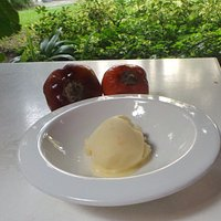 Ese sabor es una fruta amazónica llamada Túpiro, familia del tomate y del caqui
