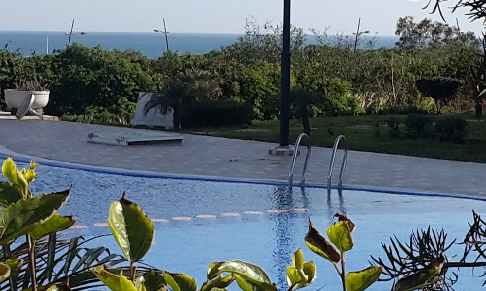 Belle petite piscine avec vue dégagée