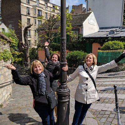We celebrate the sun with our new amie du Paris, Pamela!