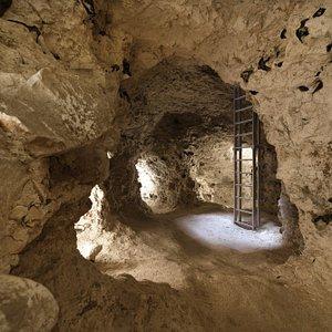 Vue intérieure des Minières Néolithiques de Spiennes.