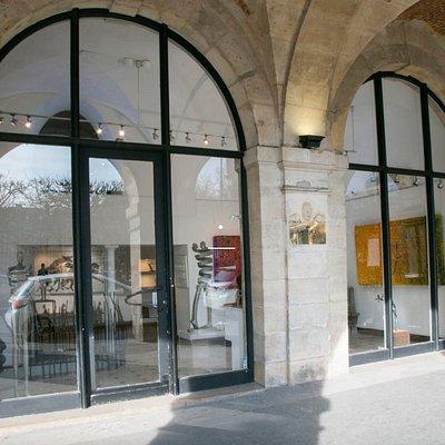 Modus Art Gallery