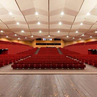 La sala vista dal palcoscenico