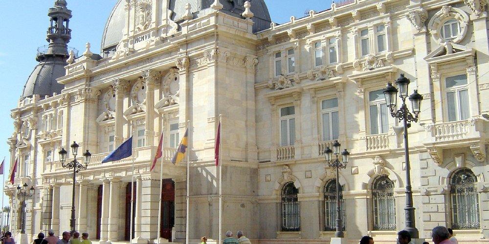 Ayuntamiento, Calle Mayor, Cartagena © Robert Bovington