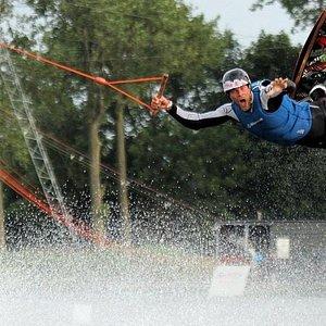 De leukste baan van Oost Nederland om te waterskiën en te wakeboarden!