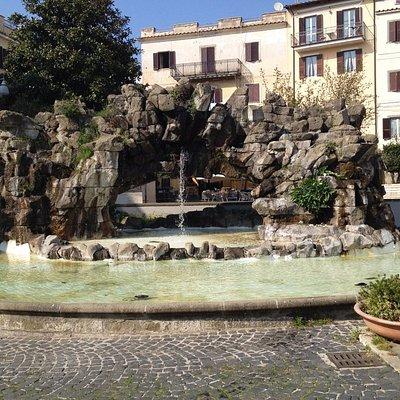 Fontana degli Scogli