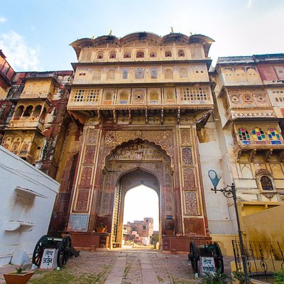 14th century Karauli City Palace is one of the main attractions in the heritage town of Karauli