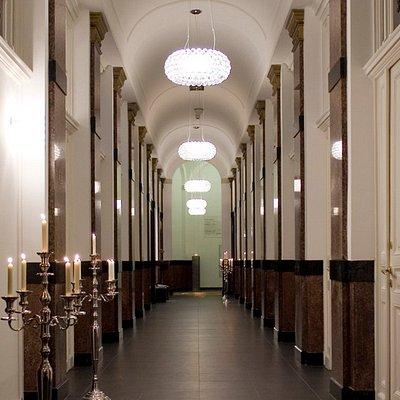 Entree in das klassische Badhaus aus dem 19. Jahrhundert