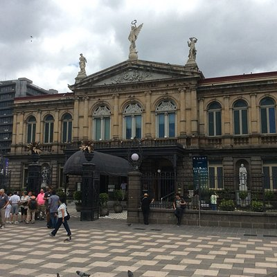 Plaza Fernandez in front of Teatro Nacional