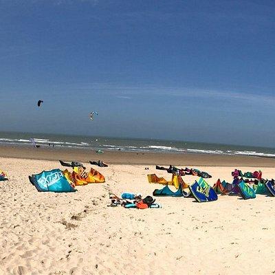 Direkt am Strand mit diversen Wassersportmöglichkeiten inkl. Kursen.