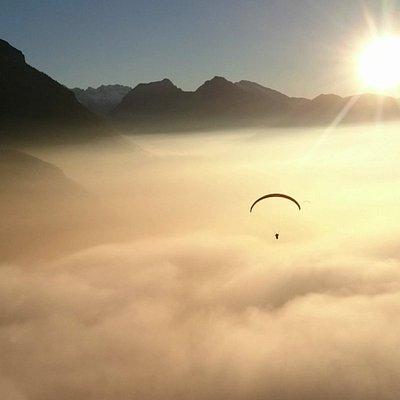 DragonView.ch Paragliding Adventure flying over Mythen, Schwyz