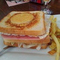 Sandwich Rondel (tapa gratis con bebida)