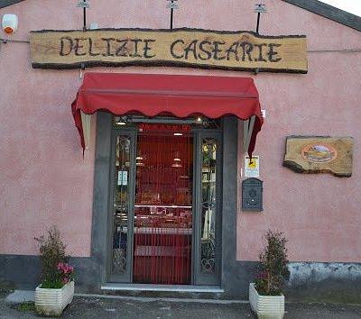 Delizie Casearie propone prodotti tipici dell'Etna, tutti all'insegna dell'alta qualità!
