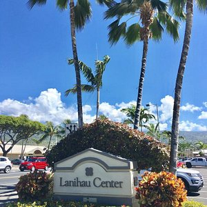 On the corner of Palani Road and the Highway 19, Lanihau is the heart of Kona