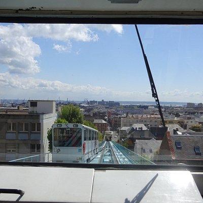 uitzicht op stad en haven
