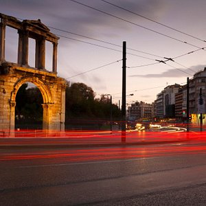 Book your ride in Athens. Fast, reliable, secure and cheap!