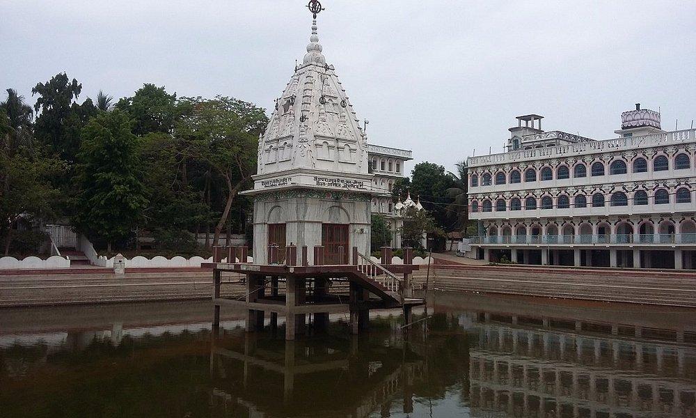 Sri Govinda Kunda, at Sri Chaitanya Saraswat Math Nabadwip