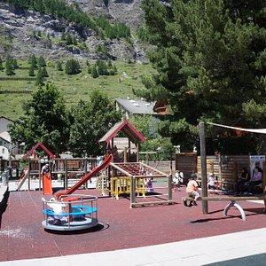 Playground in the middle of the village - © Zermatt Tourismus