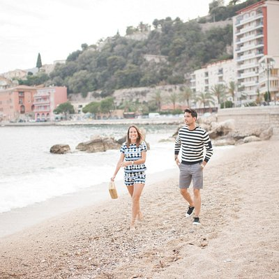 A couples photo shoot is an amazing way to capture the magic of your vacation.