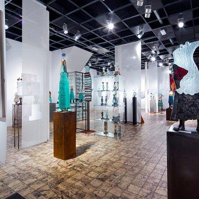 Galerie Moeëjen Daag, Lianne en Sjaak Smetsers, Grotestraat 61 A te 5931 CT  TEGELEN (NL)