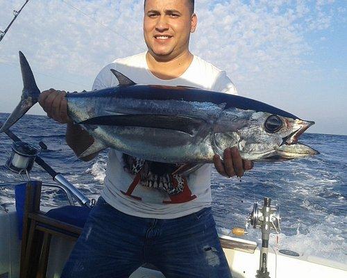 Oribay.tours una experiencia marítima desde San Sebastián.Patron pesca y pasajeros profesional y