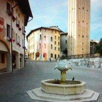 Visione d'insieme della Piazza San Marco con la Fontana in primo piano .