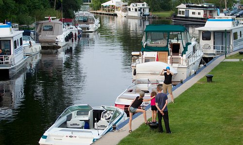 Boats at Lock 32 in Bobcaygeon