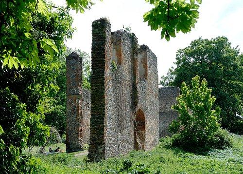 Ruins of Sir Richard Lee's Tudor mansion on site od Sopwell Nunnery (aka Priory)
