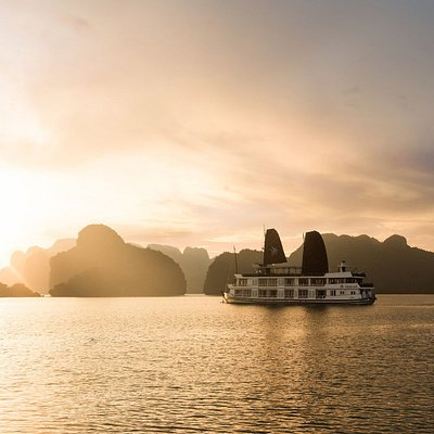 Overview of Pelican Halong Cruise