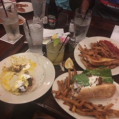 We ordered fish sandwich, blt w/egg & crab cake eggs benidict. The food was great & the service