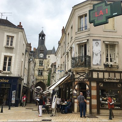 The picture perfect town of Amboise.