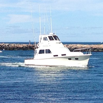 Great Fishing or Cruising boat. Very Roomy And Comfortable Awesome Captain and Mate